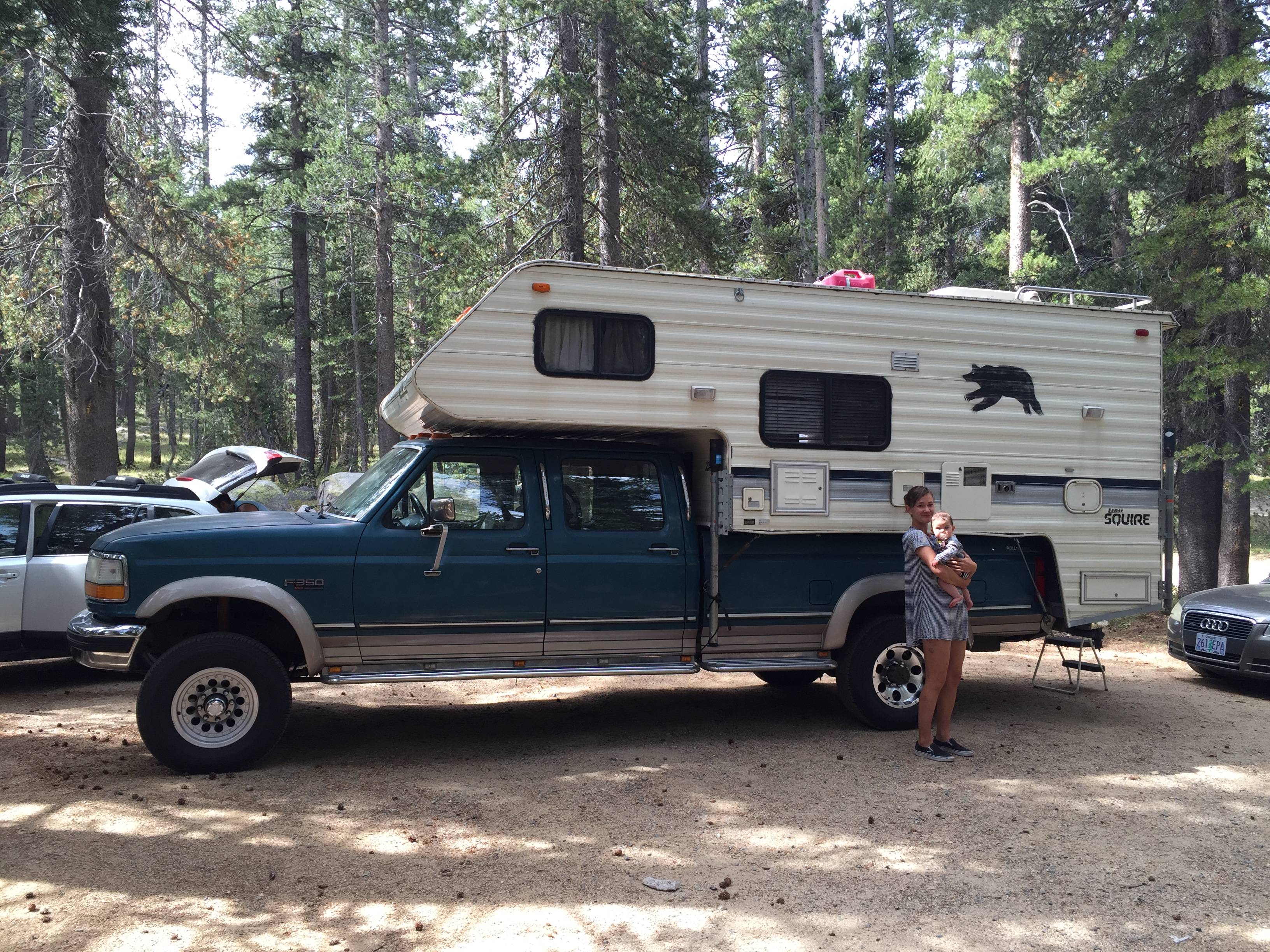 Truck/Camper Combo: 1994 Ford F350 XLT + Lance Squire